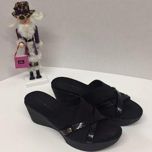 Bandolino Black Wedge Size 7.5